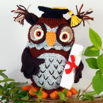 Wesley el búho sabio patrón de crochet amigurumi por Janine Holmes en Moji-Moji…