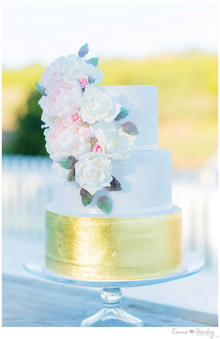 Emma Sharkey Photography Paxton Wines_0087   Gorgeous three tiered wedding cake. Delicate hand made sugar flowers with a feature gold bottom tier.   Made by How Sweet it is Adelaide. Beautiful Cake Inspiration