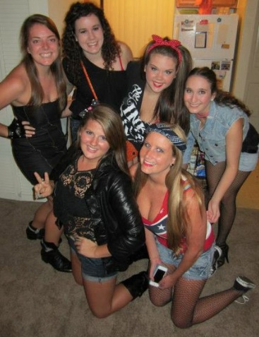 teen-homemade-fraternity-party-girl-school-teenager-fee