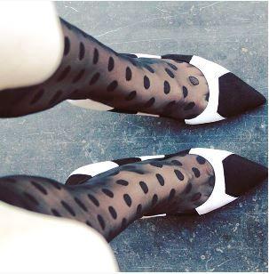 LK Bennett Zwart Wit Pump Suede Leer 10CM | De Schoenenfabriek #Tijdloos #Chique #Klassiek