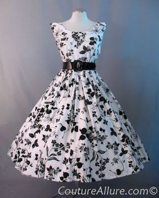 1950s Jerry Gilden black and white print full skirt dress.