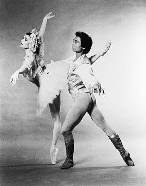 Li Cunxin dancing in a 1980s production of Swan Lake. Photograph: Kenn Duncan/Bettmann/CORBIS