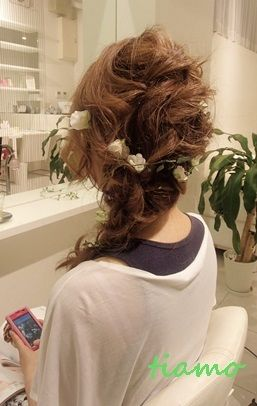 編み込みサイドダウンの可愛い花嫁さま♡リハ編 |大人可愛いブライダルヘアメイク『tiamo』の結婚カタログ