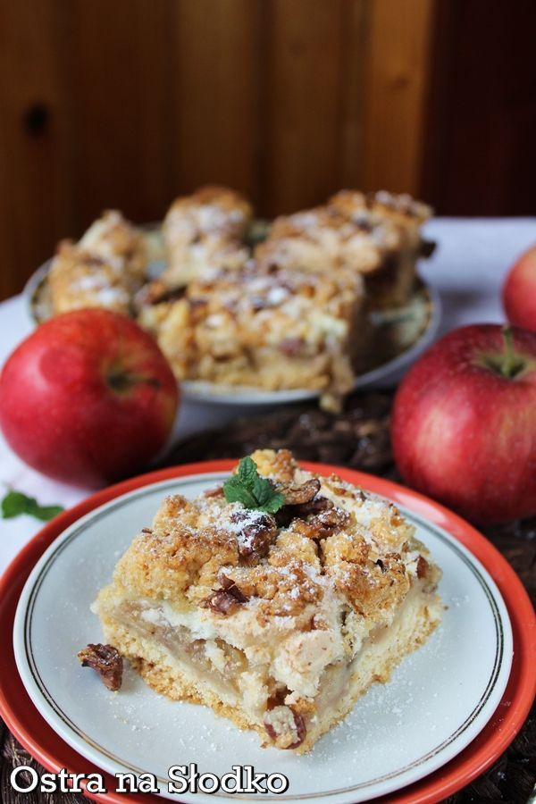 szarlotka , jablecznik , ciasto z jablkami , szarlotka z kruszonka , szarlotka z orzechami , pyszne ciasto , jesienne ciasto , przepis na szarlotke , ostra na slodko , pyszne ciasta (3)