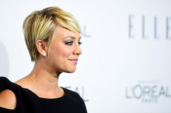 kaley cuoco sweeting short hair   Actress Kaley Cuoco arrives at ELLE's 21st Annual Women In Hollywood ...