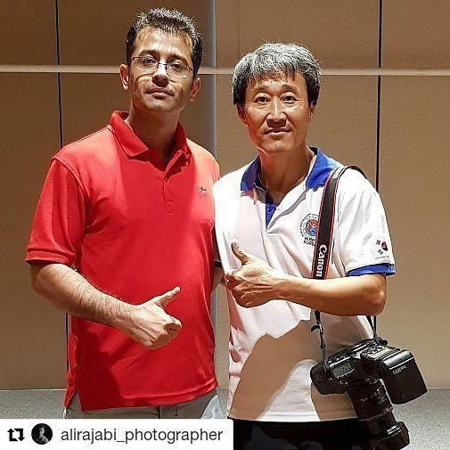#Repost @alirajabi_photographer (@get_repost)  . Seoul / Korea / 2017 With Mr.Han best korea Photographer . سئول کره جنوبی /   همرا با آقای هان عکاس باتجربه و خوش اخلاق . #alirajabi_photographer #photographer #photoshoot #bodybuilding #fitness #fitnessmotivation #luxury #lifestyleblogger #happy #abbf #wbpf #ifbbpro #championsleague #worldcup #motivationalquotes #muscles #friends #korea #seoul #ireland . . . . @alirajabi_photographer @luxury_sport_studio @skysport.ir @vitap_co @scitec.ir…