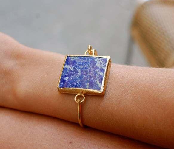 Hooked Stone bracelet. Lapis Lazuli