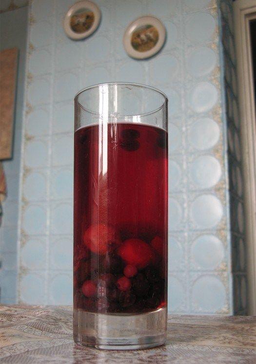 Компот из замороженных фруктов и ягод