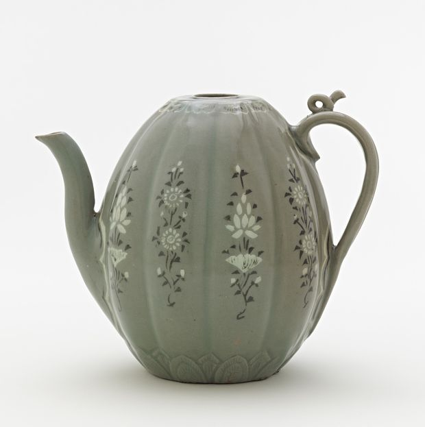 Goryeo period, late 12th-mid 13th century Korea, Jeolla-do province, Gangjin or Buan county, Gangjin or Buan kilns Stoneware with white and black inlays under celadon glaze 20.5 x 21.9 x 14.7 cm Gift of Charles Lang Freer Freer Gallery of Art