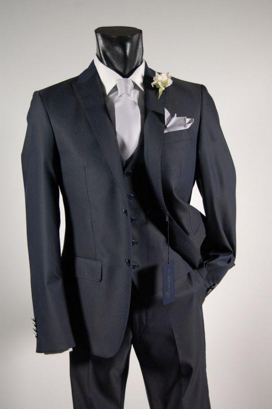 Elegant dress roveraia blue waistcoat man ceremony