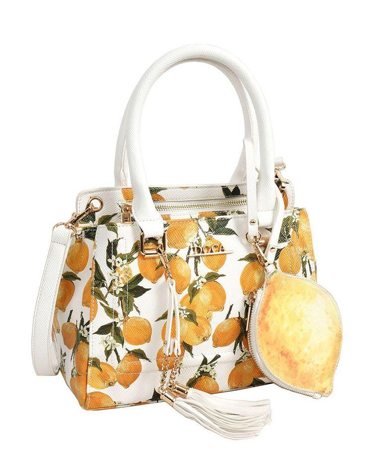 When life gives you lemon... Print them on your bag! 🍋 🍋 🍋 🍋  Kαθημερινή τσάντα #Doca