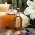 Existem inúmeros tipos de óleos essenciais que podem ser úteis, tanto para a sua saúde como para o seu cuidado pessoal e da sua casa. Hoje vamos falar sobre alguns usos do óleo essencial de hortelã e como você pode prepará-lo em casa de forma simples para usar quando desejar e precisar.