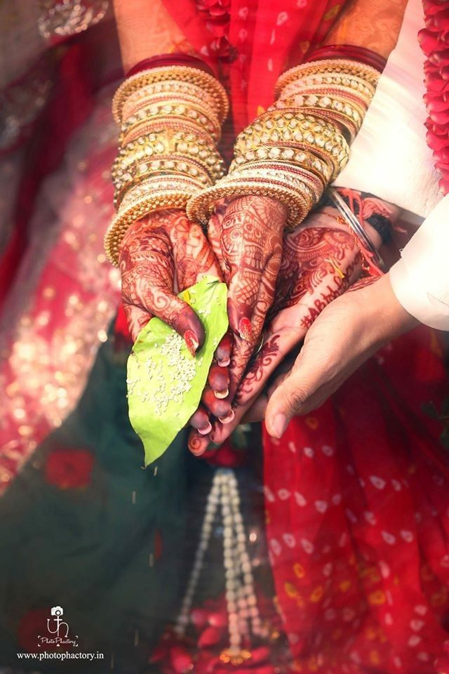 "❣️ Photo Phactory ""Portfolio"" album  #weddingnet #wedding #india #indian #indianwedding #weddingdresses #mehendi #ceremony #realwedding #lehenga #lehengacholi #choli #lehengawedding #lehengasaree #saree #bridalsaree #weddingsaree #photoshoot #photoset #photographer #photography #inspiration #planner #organisation #details #sweet #cute #gorgeous #fabulous #henna #mehndi"