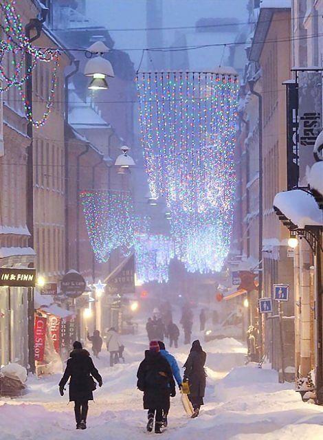 Gamla Brogatan - Stockholm, Sweden  (by Ola Ericson)