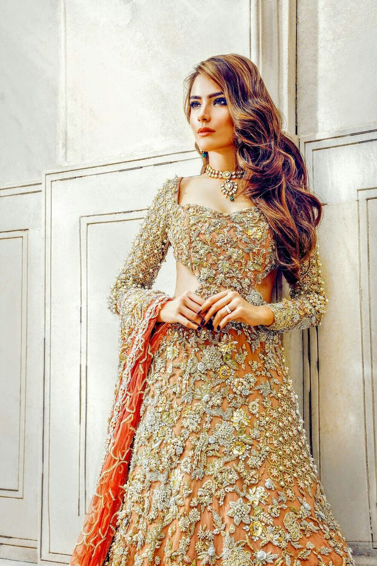 Pakistani Lehenga... Floral Embroidery is Superb. Such a Sweet Look! @CremeDeModa