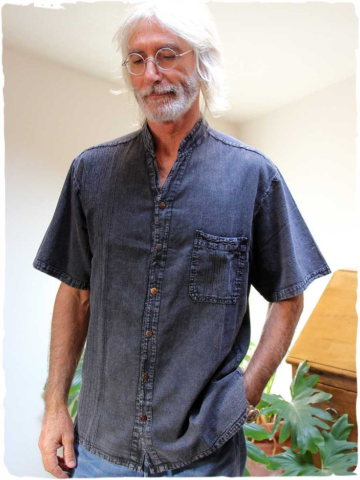 Camicia coreana #Camicia #coreana per #uomo a manica corta - bottoni in #legno di cocco #modauomo #estate