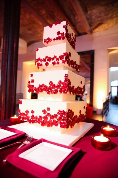 Red Square Wedding Cakes Photos & Pictures - WeddingWire.com