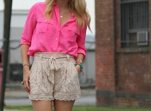 pink & lace: Colors Combos, Pink Lace, Fashion Style, Hot Pink Tops, Spring Summer, Summer Outfits, Summertime Outfits, Fashion Women, Lace Shorts