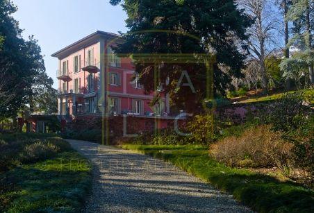 contact us to buy this villa +39 3394817794 info@propertyatlakecomo.it