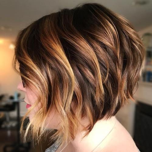 44 wunderschöne wellenförmige Bob-Frisuren mit einem zusätzlichen Hauch von Weiblichkeit #e …  #einem #frisuren #hauch #weiblichkeit