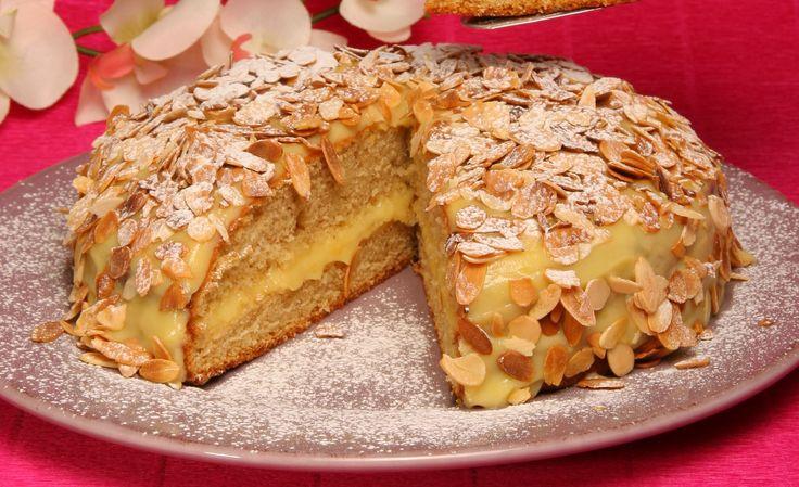 Quem é que gosta de canela? :) Vejam esta receita de bolo de canela e creme de pasteleiro aqui: http://www.teleculinaria.pt/receitas/bolo-de-canela-com-creme-de-pasteleiro/?utm_content=buffer118be&utm_medium=social&utm_source=pinterest.com&utm_campaign=buffer