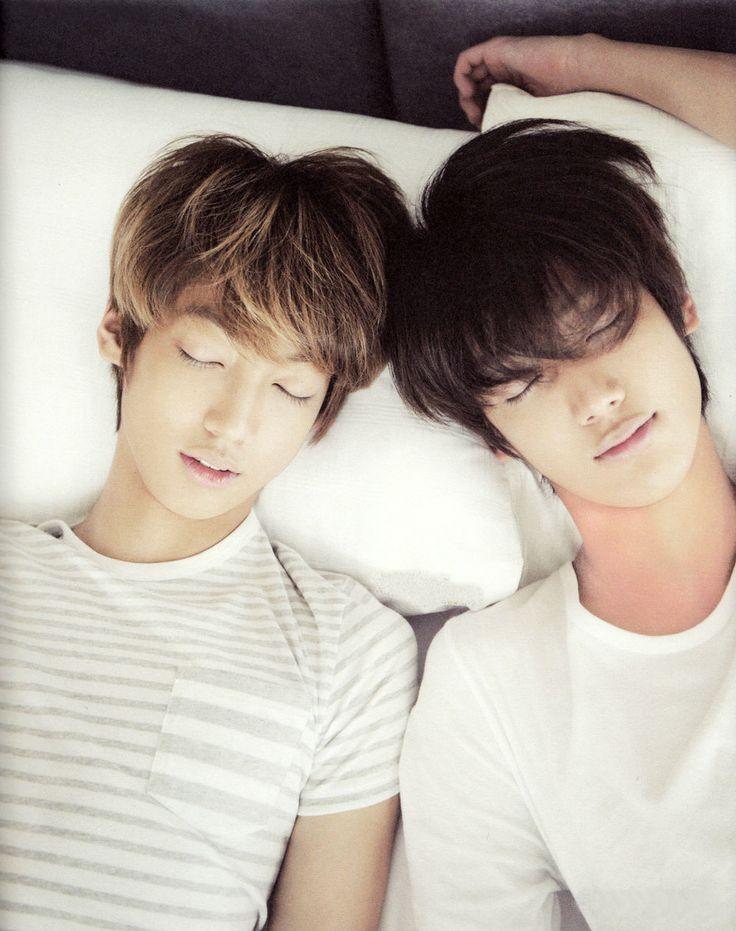 Sleeping Jo twins <3 they look so precious.