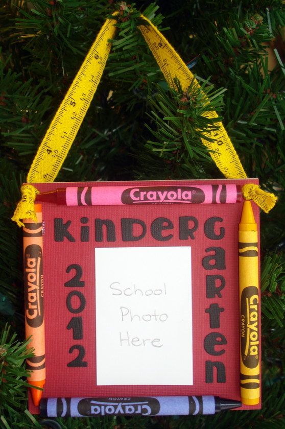2012 Kindergarten Crayon Keepsake School Photo Ornament. I think I could make this and would be cute to make for each year