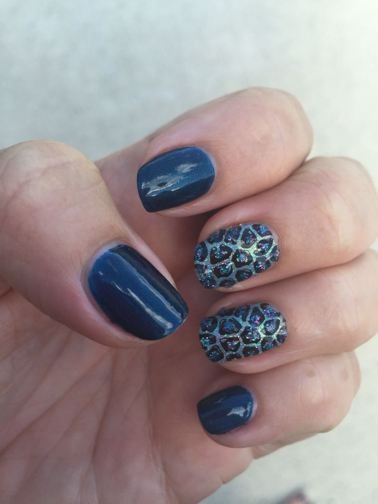 Shellac in Peacock Plume and Azure Park. Magpie glitter in blossom on feature nails with MoYou stamping and them Magpie Amira Glitter paste accents.
