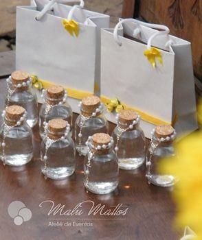 http://www.ateliedecriacao.com/galerias/batizado/galeria-batizado-amarelo-branco.html