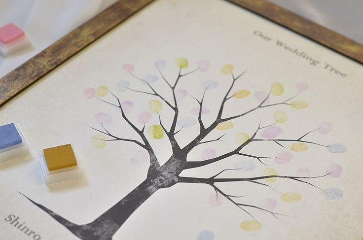 ウエディングツリー:ツリーのイラストや背景全体に古紙の風合いをデザインしたレトロ風、ビンテージデザインのウェディングツリー