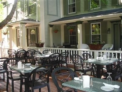 Boothbay Harbor (ME) The Thistle Inn Bed And Breakfast United States, North America Located in Boothbay Harbor, The Thistle Inn Bed And Breakfast is a perfect starting point from which to explore Boothbay Harbor (ME). The hotel offers a high standard of service and amenities to suit the individual needs of all travelers. Service-minded staff will welcome and guide you at the The Thistle Inn Bed And Breakfast. Each guestroom is elegantly furnished and equipped with handy amenit...