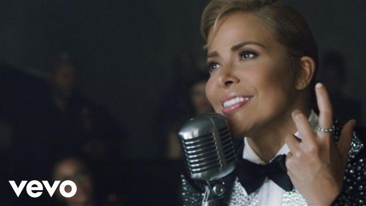Music video by Gloria Trevi performing Como Yo Te Amo. (C) 2015 Universal Music Latino http://www.vevo.com/watch/USUV71501015 Best of Gloria Trevi / Lo mejor...