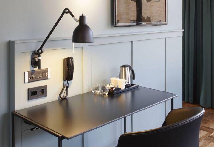 restyling-hotel-stoccolma-scandic-grand-central-suite-angolo-scrivania