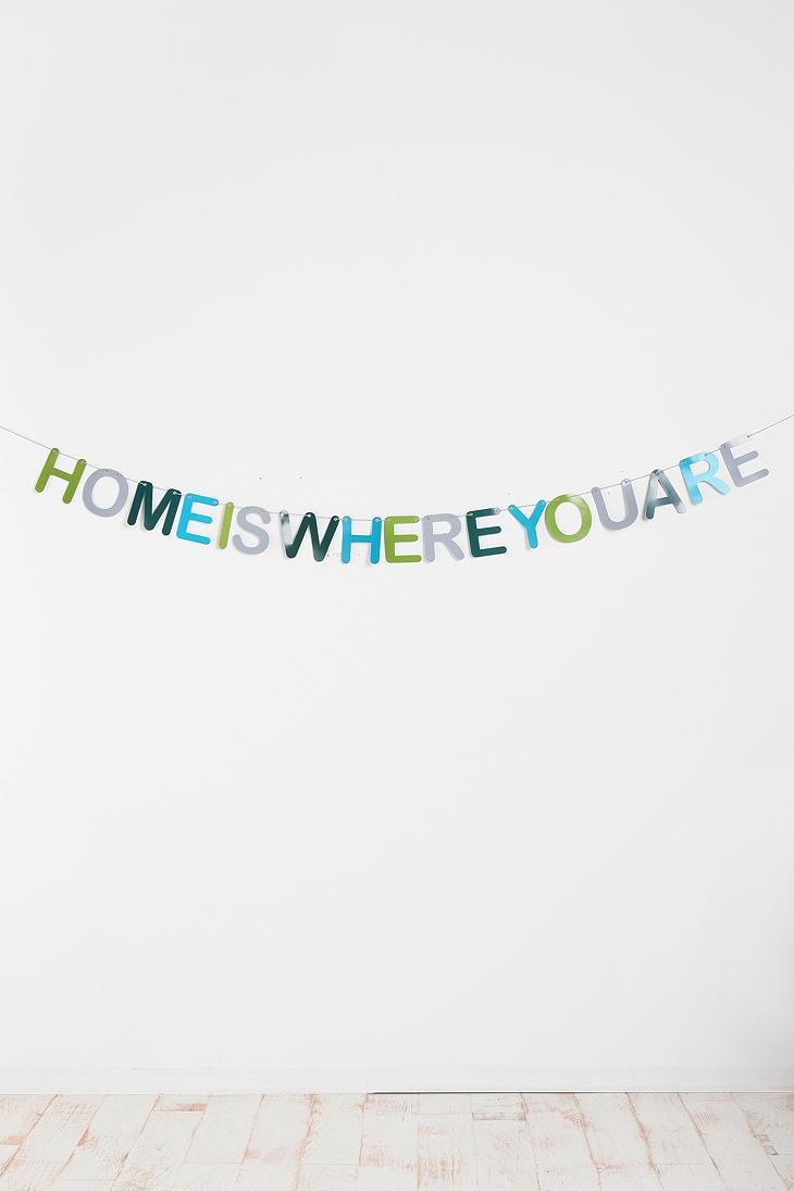 really cute house warming party banner :) Dorm room checklist Repinned by  www. movinghelpcenter