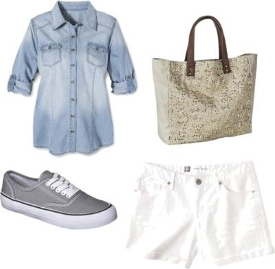 Outfit Nine - Fourteen piece, ten day summer vacation packing list with ten outfits and printable packing list!  http://getyourprettyon.com/ten-day-summer-vacation-packing-list/