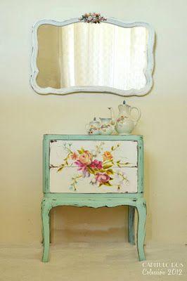 Capitulo Dos: El casamiento del espejo y la mesita...