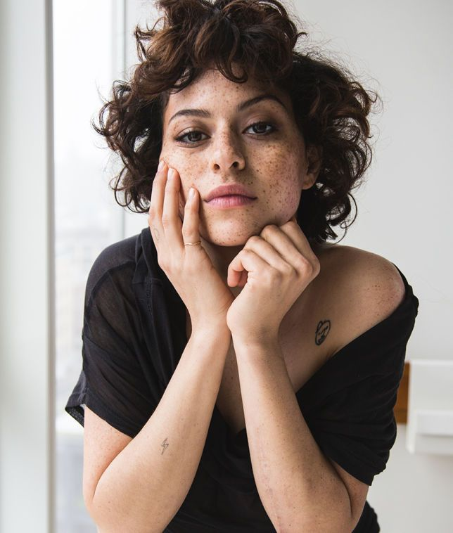 Inside Alia Shawkat's beauty routine | NYLON