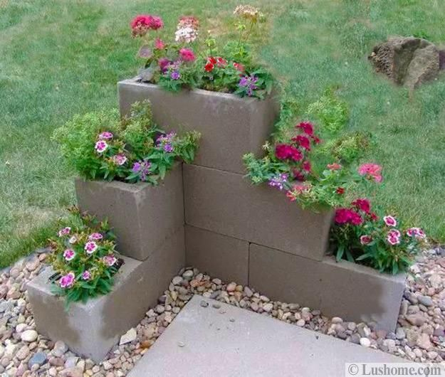 Cinder blocks are excellent choices for handmade yard decorations, unique lighting design, simple and practical seating, original barbecue pits, unusual water fountains, and planters