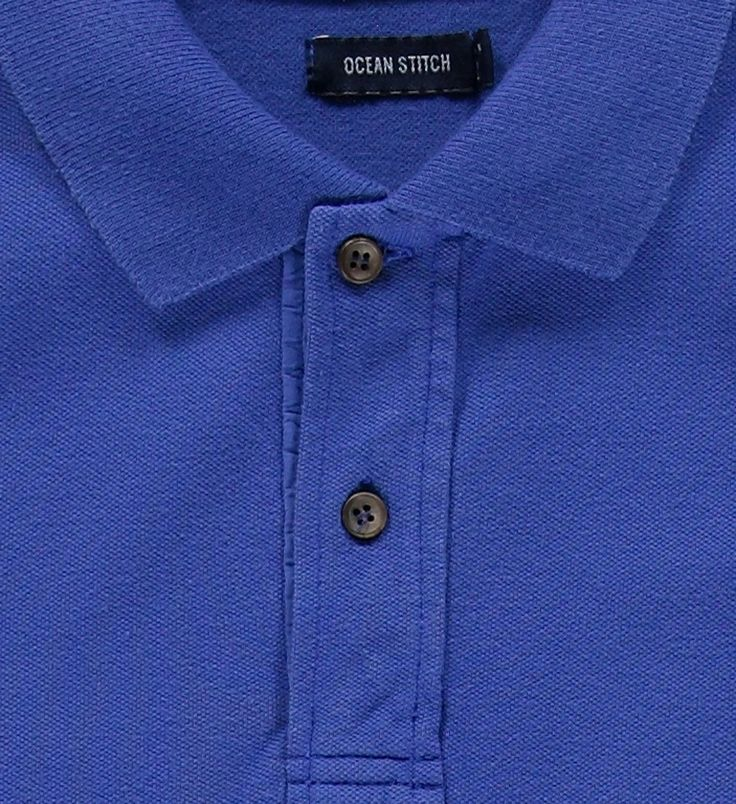 Classical short-sleeved piquet polo with ribbed cuffs and collar. More details in: http://www.oceanstitch.pt/en/Products-Men/Saint-Barth-Blue