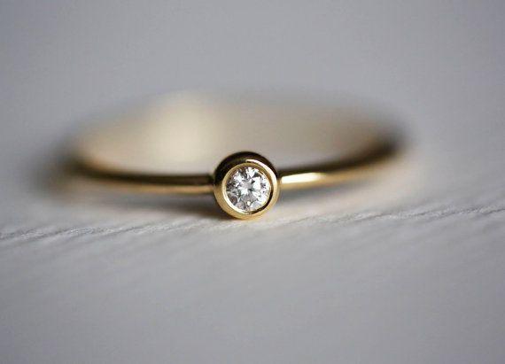 Mince diamant bague de serrage, mince empilement bague en diamant, bague diamant lunette. Mince bague de fiançailles, Solitaire diamant bagu...