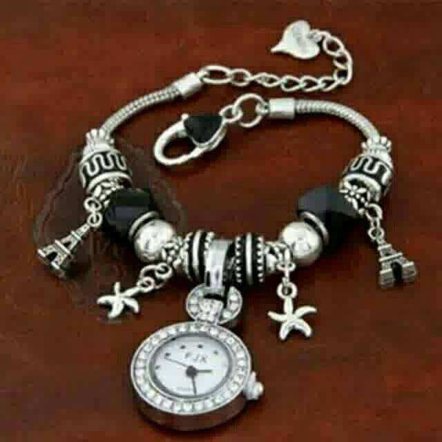 Saya menjual Jam Tangan Elements Decorated seharga Rp187.500. Dapatkan produk ini hanya di Shopee! {{product_link}} #ShopeeID