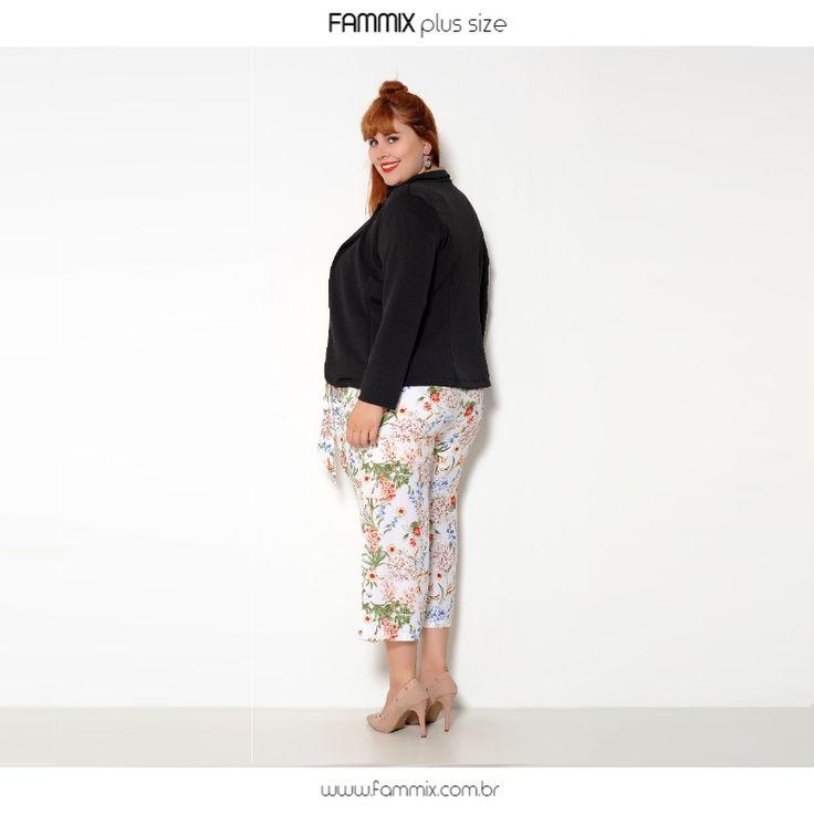 (ref. 9802) Blazer em tecido crepe liso, acinturado, perfeito para compor looks para seu outono/inverno. Chic demais! ❤️ Confiram mais em www.fammix.com.br #fammix #modagrande #modafeminina #plussize #plussizefashion #plussizebrasil #plussizemodel