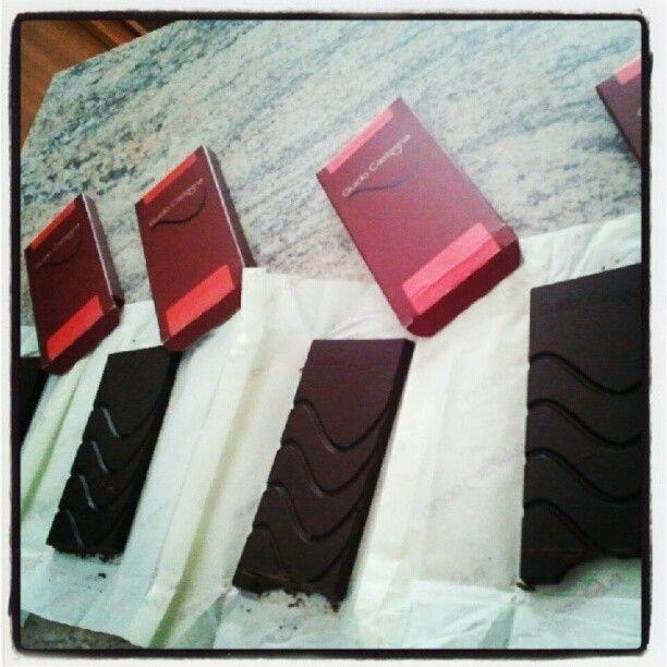 La difficile scelta del #cioccolato per la preparazione del gelato... #atavolaconlatitudes