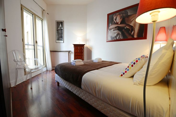 Pompidou Apartment Is A Charming One Bedroom Apartment That Accommodates  Four People. The Bedroom Is