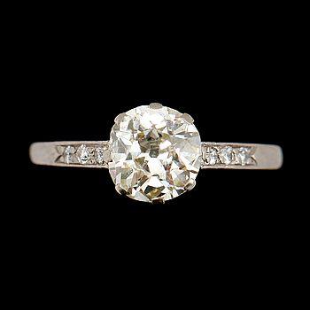 342026. RING, 18 k vitguld, med solitär diamant 1.80 ct. – Bukowskis Market