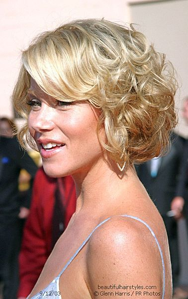 Image Detail for - Here is a side view of Christina Applegate's short curly hairstyle.