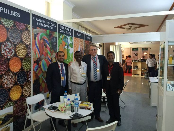 Mr. Chandra, our partner for pulses business (second from the left); together with our colleagues