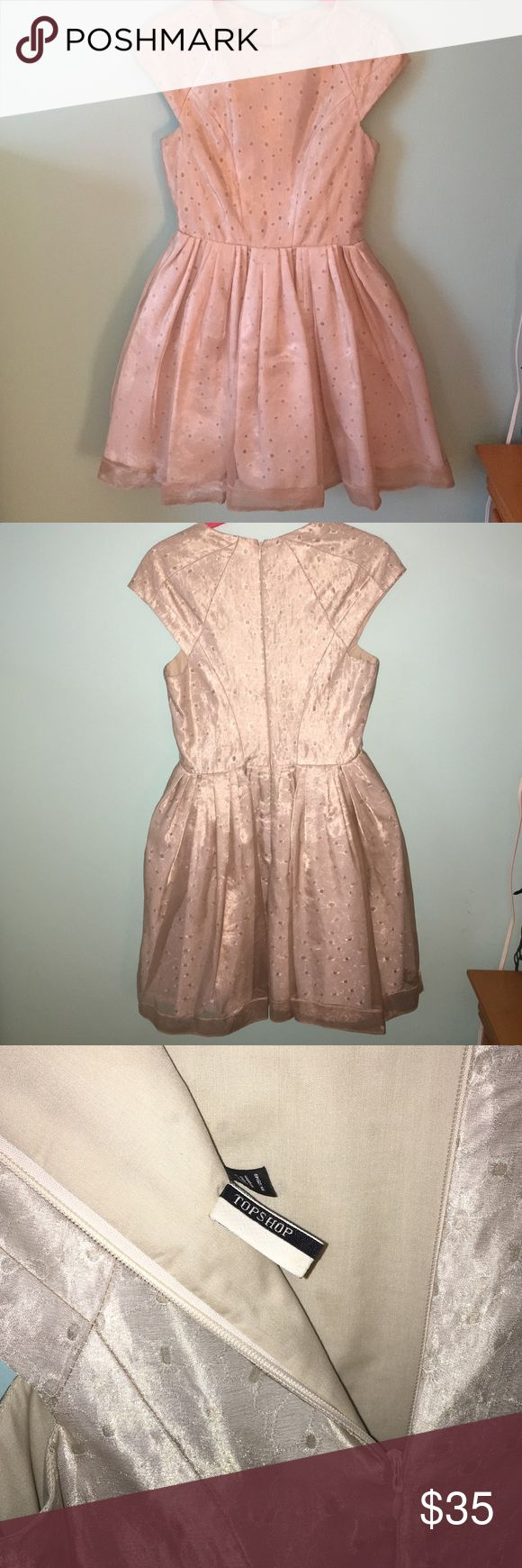 Topshop dress, cap sleeves, chiffon layering Beautiful dress with floral cut out under layering and gold over layering. Cap sleeves and in a beautiful light gold color. Never worn before! Perfect to wear to a wedding as a guest. Topshop Dresses Wedding