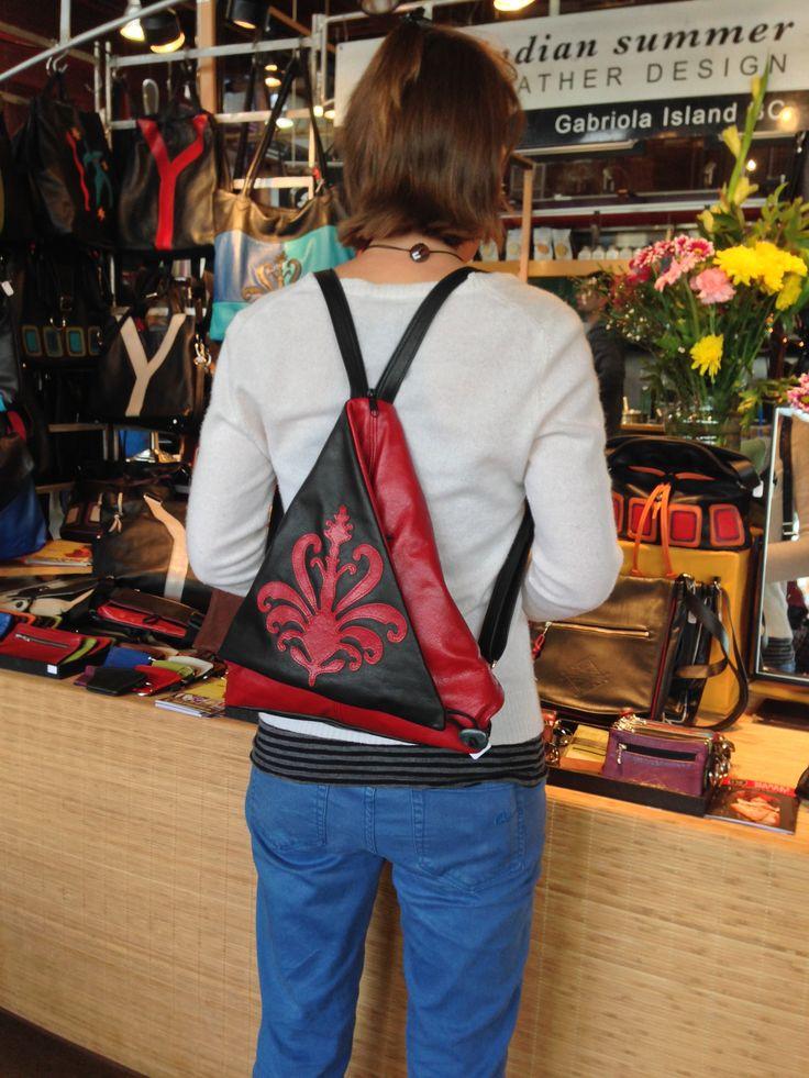 Siena Triangle Fold www.indiansummerleather.com #purses #handbags #canada #fashion