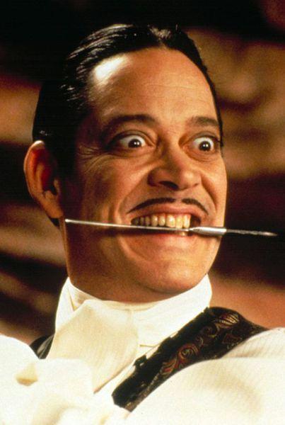 Raul Julia - Gomez Addams                                                                                                                                                                                 Más